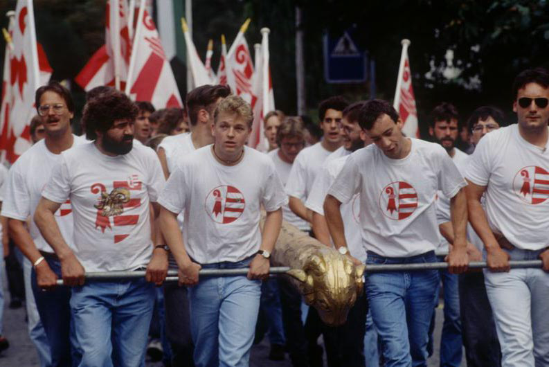 """The Jura question"": Young separatists carrying a battering ram, 1970 © Swiss National Museum"