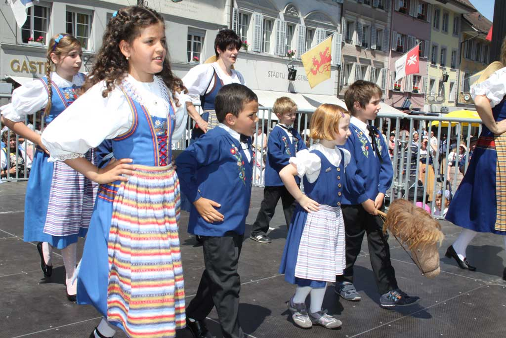 The next generation make their debut: members of the Lucerne Kindertrachtengruppe step out at the Central Switzerland Trachtenfest in Willisau (LU), 2 June 2012. © Norbert Bossart, Willisauer Bote