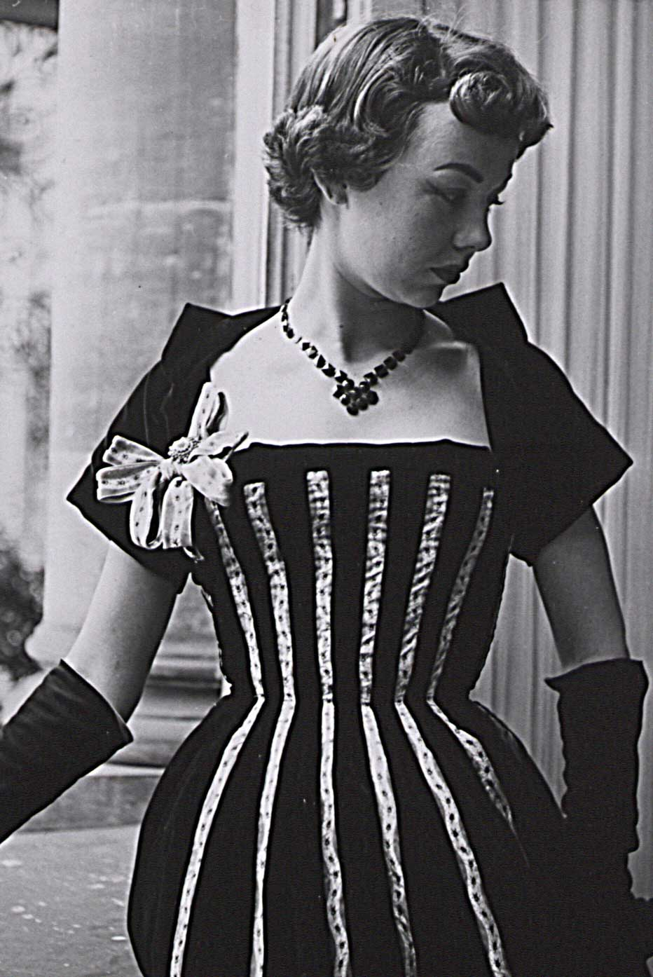 A black velvet dress with silk ribbons, fashion photography by Seiler & Co, s.d. © Museum.BL, Liestal