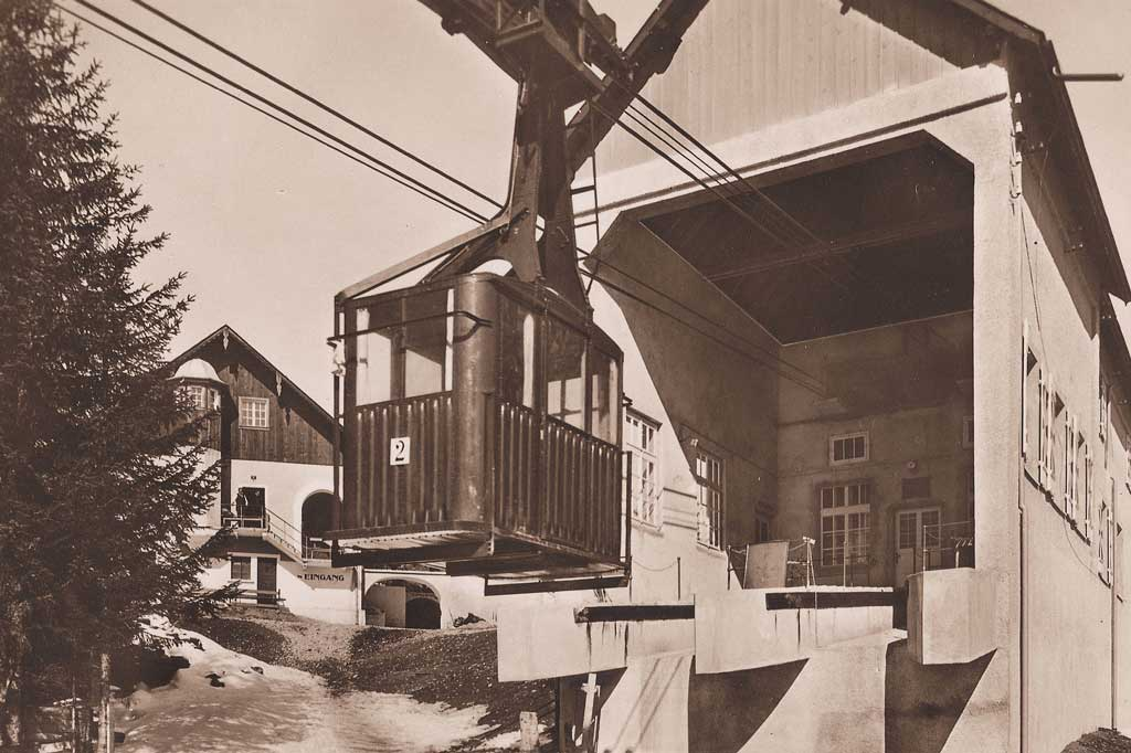 Gerschnialp (Engelberg), around 1930: lower station and cabin of the second oldest cable car in Switzerland. © Tal Museum Engelberg